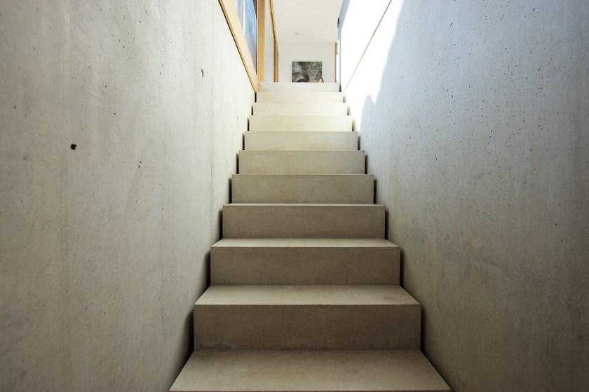 Wohnhaus Linkenheim Sichtbeton Treppe